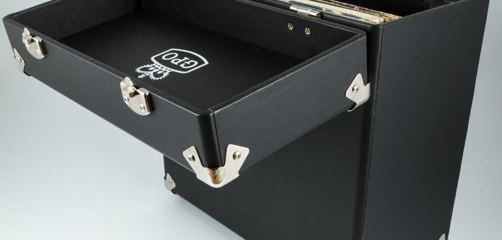 gpo-vinylcase-black-04