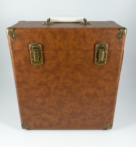 gpo-vinylcase-brown-01