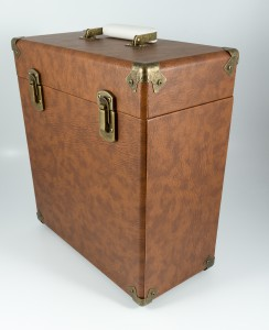 gpo-vinylcase-brown-02