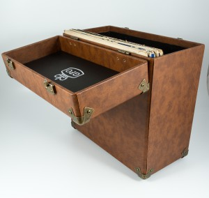 gpo-vinylcase-brown-03