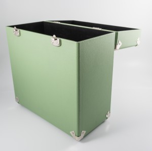 gpo-vinylcase-green-02-jpg